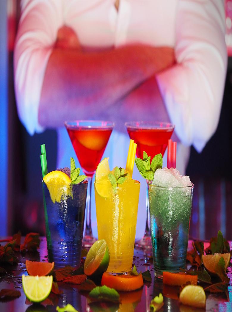 alcohol-bar-barman-110472